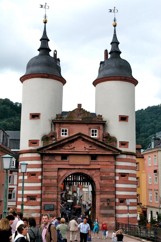 O Portão Brückentor na entrada da cidade