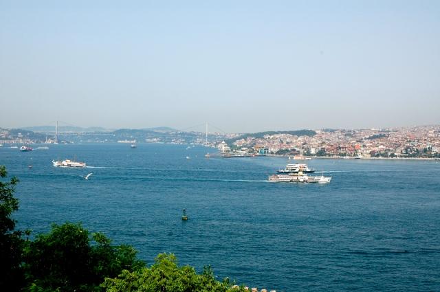O Estreito de Bósforo - Europa e Ásia lado a lado.