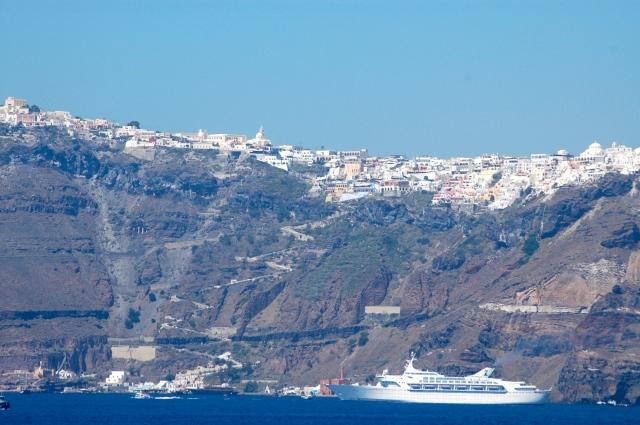 Santorini nas Ilhas Cíclades - A mais bela de todas