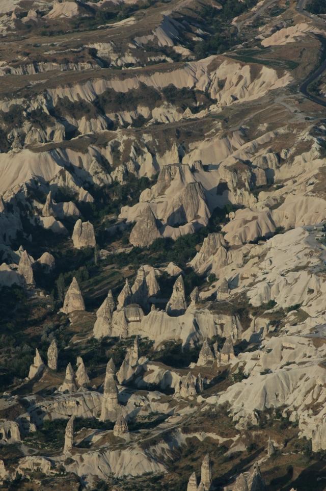 Erosão pluvial e eólica lapidaram as rochas