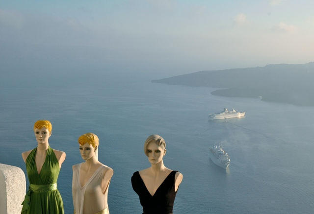 Belas vistas dos terraços de Santorini.
