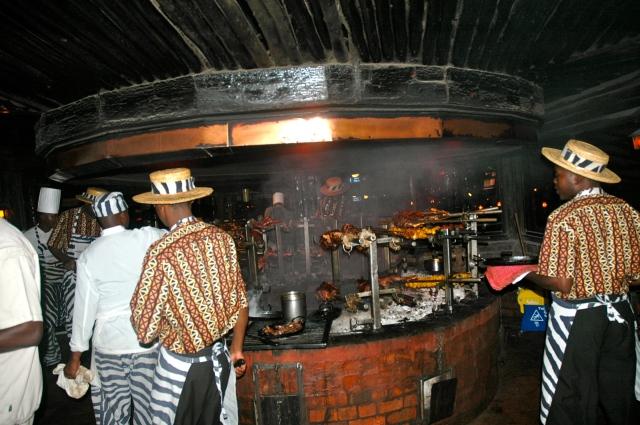 Carne de camelo e crocodilo no Restaurante Carnivori