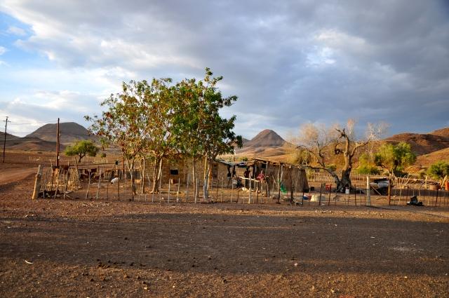 De todos os acampamentos que fomos, o Damaraland foi o único que tinha uma comunidade local.