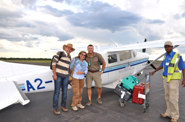 Chegando em Vitória Falls com Paul, o nosso piloto/guia.