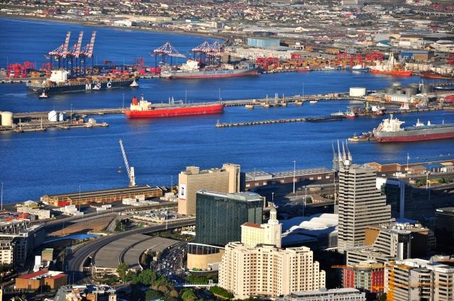 O movimentado porto da Cidade do Cabo