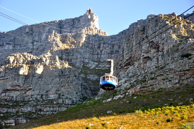 O teleférico que leva ao topo da Montanha da Mesa.