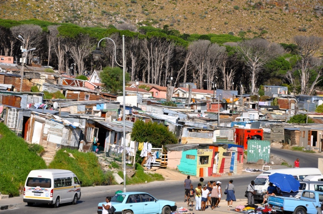 Favela nos arredores de Cape Town