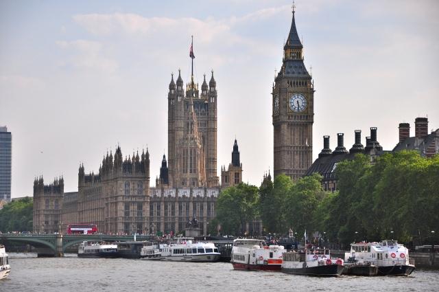 É do Pier de Westminster que saem os cruzeiros pelo Rio Tâmisa.