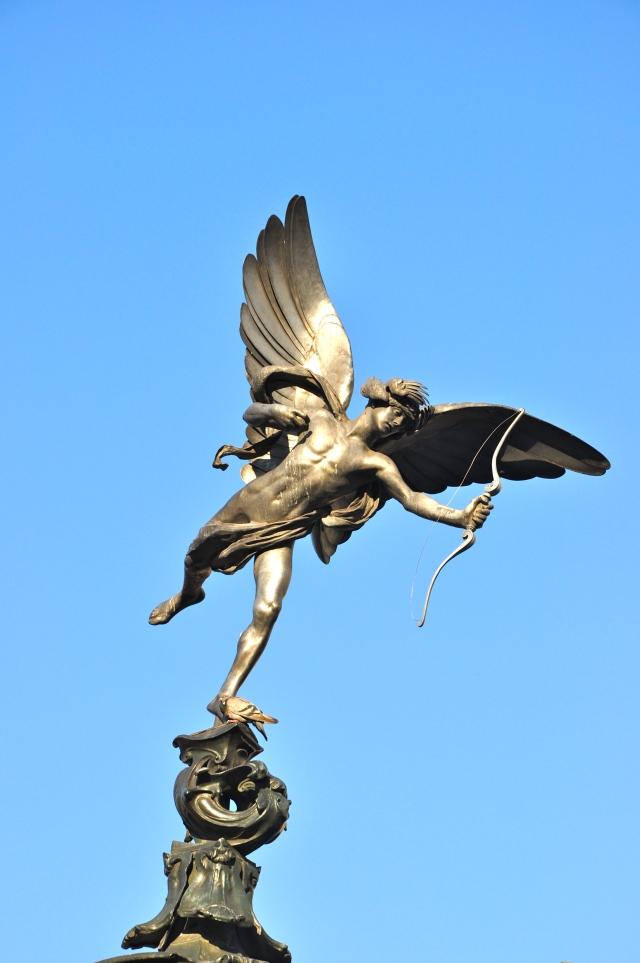 A estátua de Eros na Piccadilly Circus