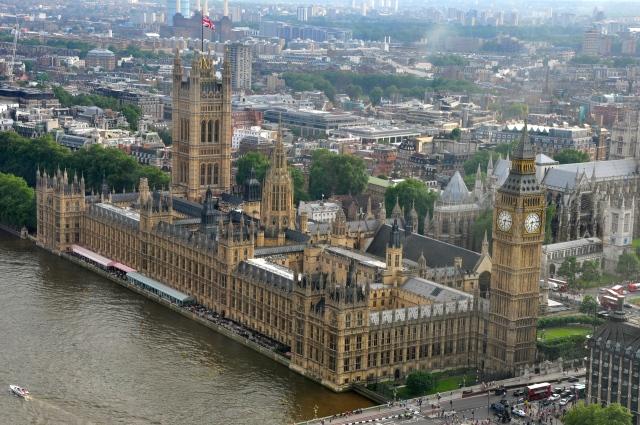 O magnífico prédio do Palácio de Westminster.