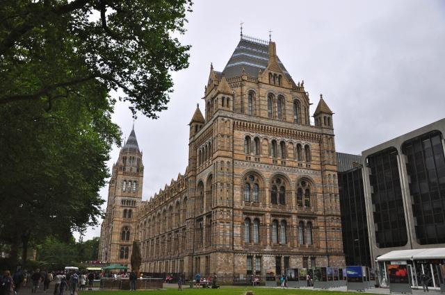 O belo prédio do Museu de História Natural de Londres.