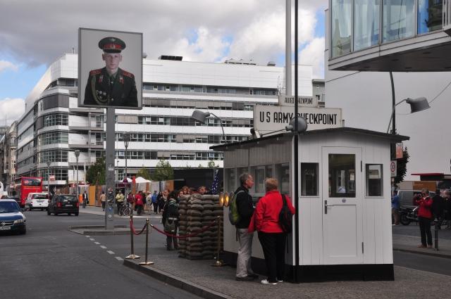 O Checkpoint Charlie.