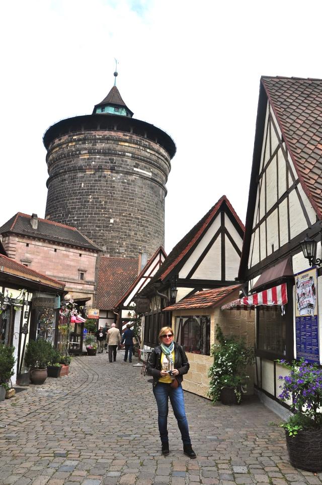 O Frauentor - Imenso portão na entrada de Nuremberg