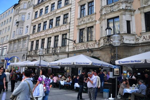 O prédio da Augustinerbräu, a mais antiga cervejaria de Munique.