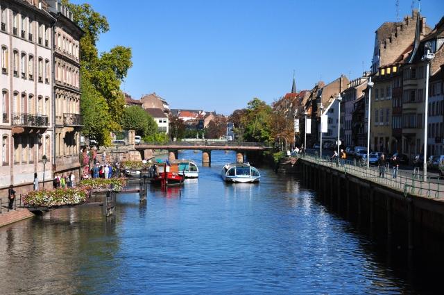 Passeio de barco nos canais de Estrasburgo
