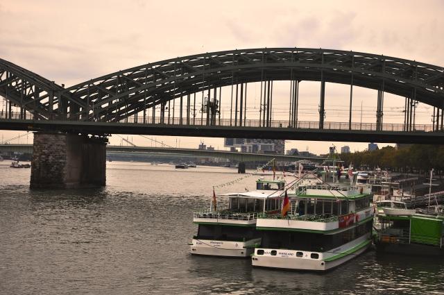 A ponte de Colônia sobre o Reno