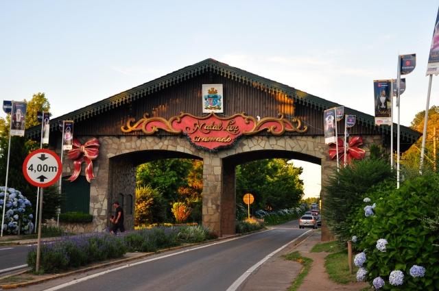 Pórtico de entrada da cidade de Gramado.