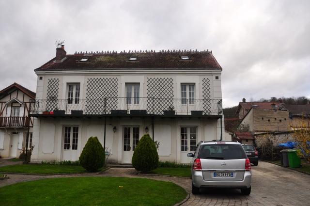 Hotel La Roseraie em Sainte Genevieve Les Gasny.