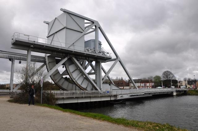 A atual ponte Pegasus sobre o Canal de Caen.