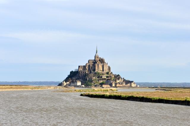 O Monte Saint-Michel. Ilha ou península, depende da maré.