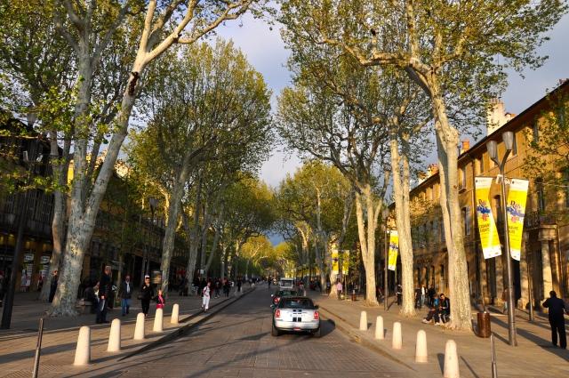 A Cours Mirabeau em Aix-en-Provence.