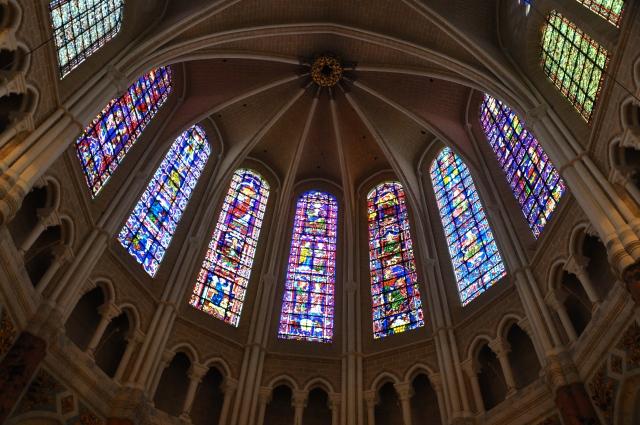 Os vitrais da Catedral de Chartres.