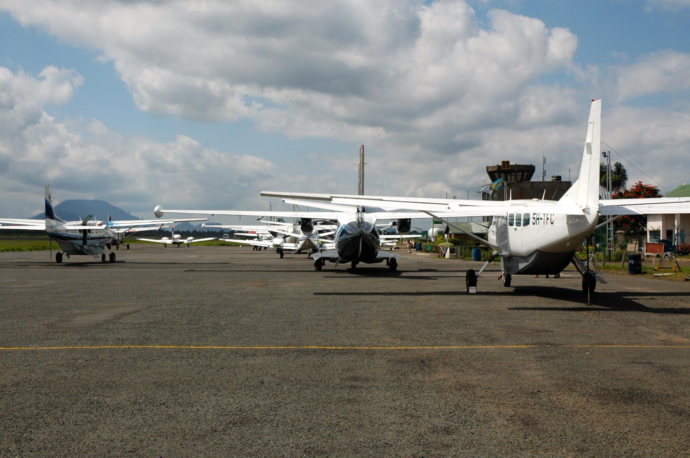 Aeroporto Nairobi : Chegando À tanzÂnia um pouquinho de cada lugar joaquim