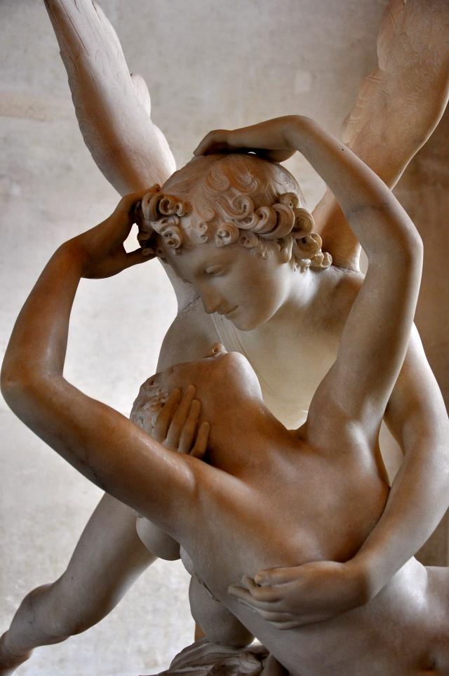 Detalhe de Psiquê revivida pelo beijo de Eros.
