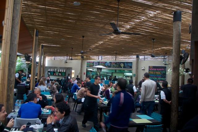 O Restaurante La Mar.