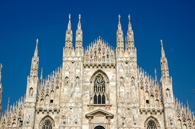As agulhas góticas da Catedral de Milão.