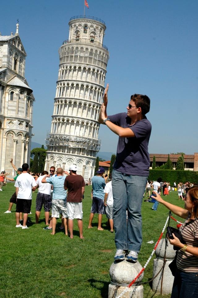 Sustentando a Torre.