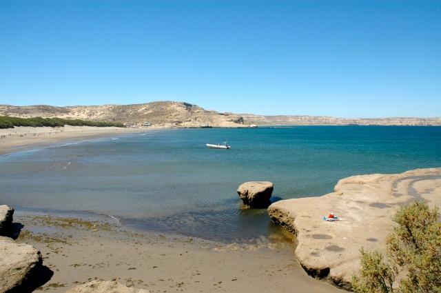 A Praia de Porto Pirâmide, o paraíso das baleia-franca-austral.