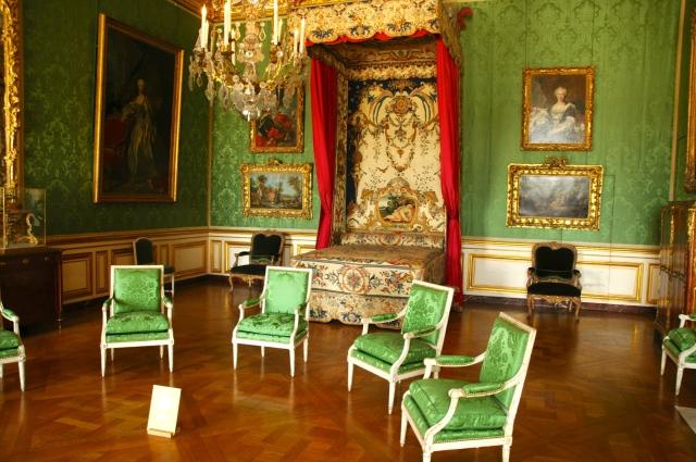 Os aposentos suntuosos do Palácio de Versalhes.