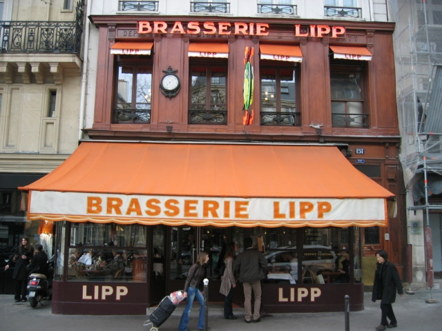 A Brasserie Lipp.