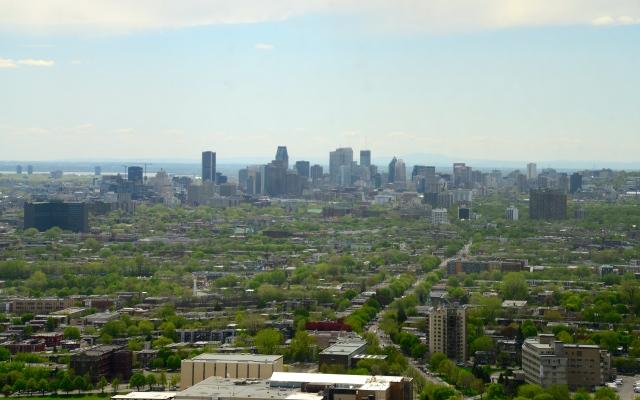 Do alto da Montreal Tower, temos uma excelente vista da cidade de Montreal