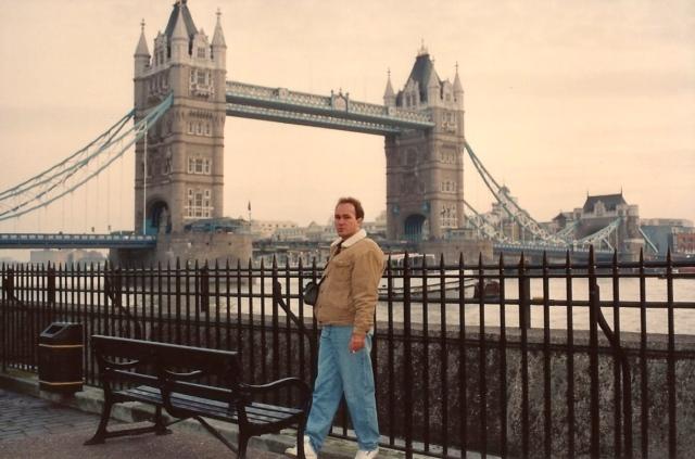 A famosa ponde de Londres sobre o Rio Tâmisa