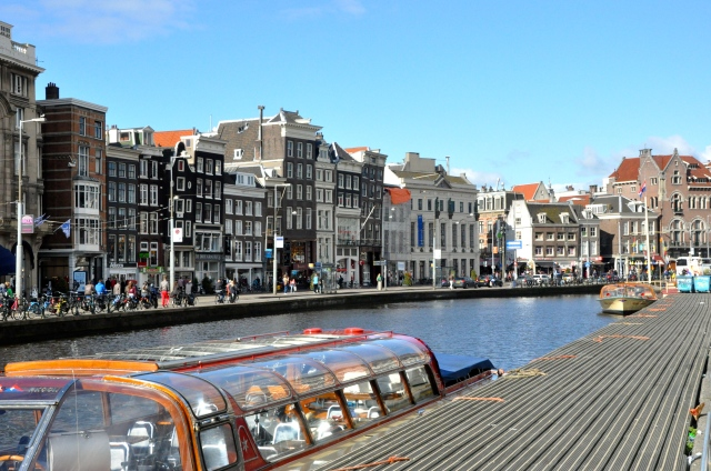 O centro histórico de Amsterdam.