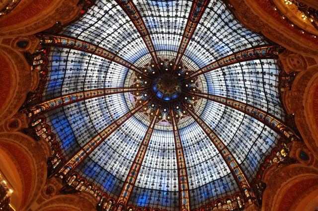 A famosa cúpula da Gallerie Lafayette