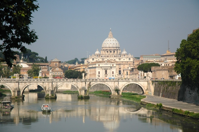 A chegada ao Estado do vaticano.