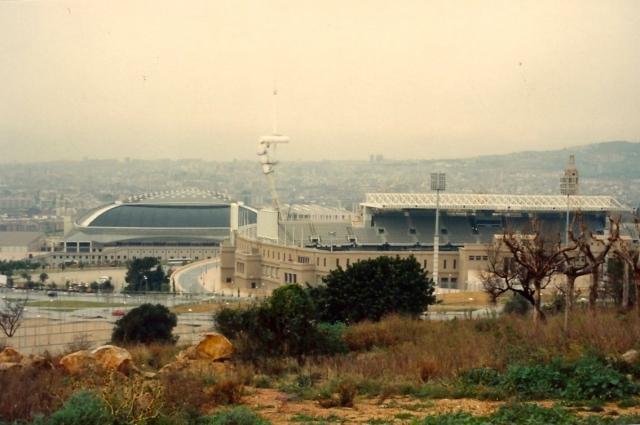 A Vila Olímpica estava sendo construída.