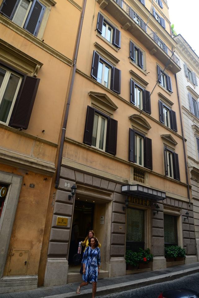 A fachada do Hotel Barocco em Roma.