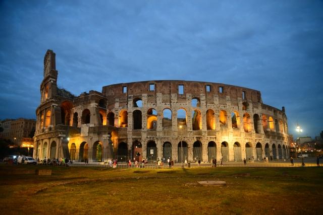 Coliseu - O símbolo maior de Roma.