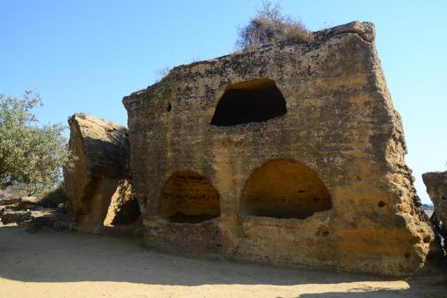 Casas trogloditas dos romanos no Vale dos Templos.
