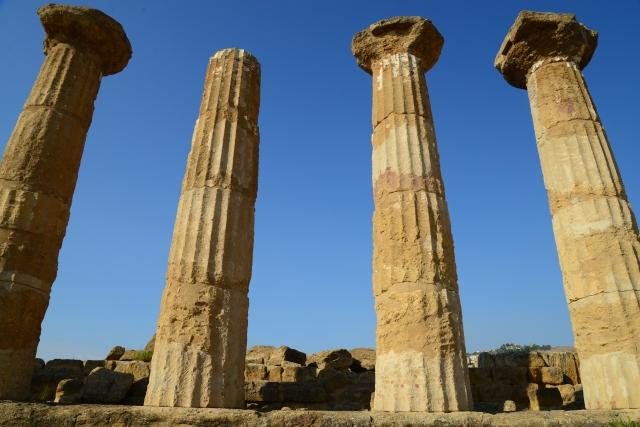 Colunas dóricas no Vale dos Templos.