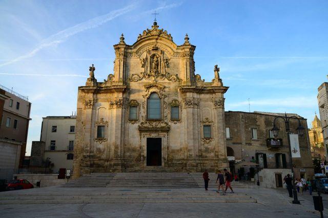 Igreja barroca no bairro alto de Matera.