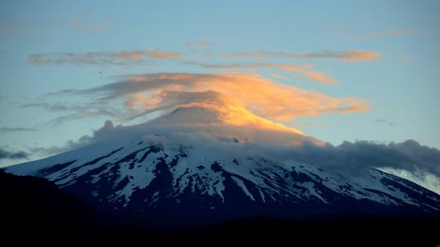Vulcão Villarrica ao entardecer