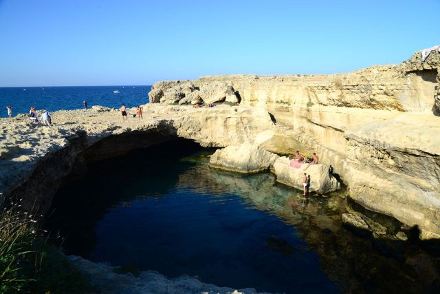 A Piscina Natural La Poesia na Praia de Roca