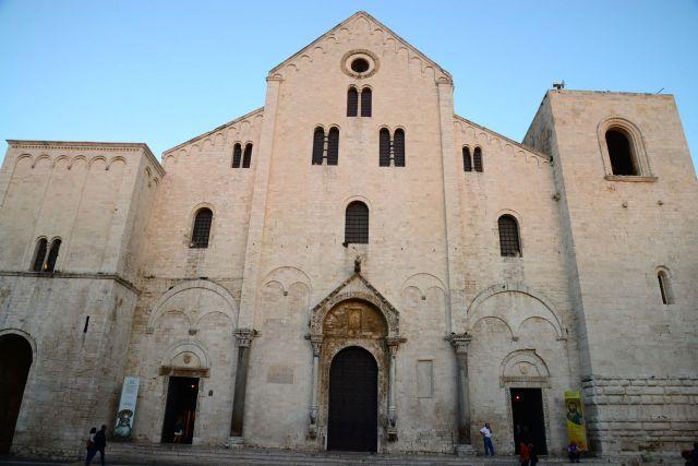 Fachada da Igreja de São Nicolau.