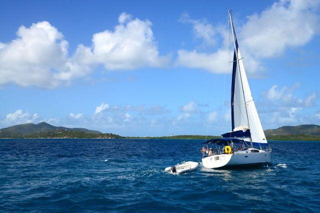 Os esportes à vela são comuns no Caribe.
