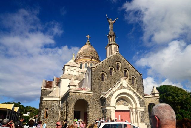 A Église de Balata tenta imitar a de Montmartre de Paris.